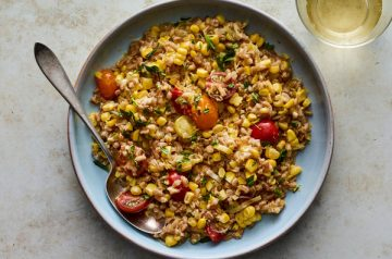 lh-farro-risotto-with-sweet-corn-and-cherry-tomatoes-articleLarge